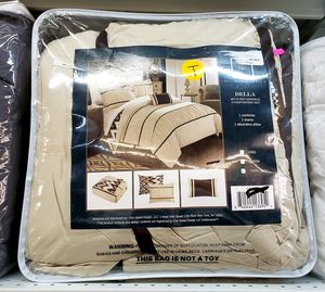 NEW TWIN 4 PC Bella Comforter Set: njft hsewres for Sale in Burlington, NJ