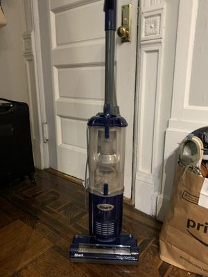 Shark vacuum (like new) for Sale in New York, NY