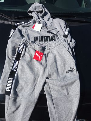 Puma sweatsuit size medium 55$ for Sale in Richmond, CA