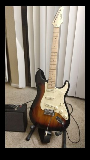 Electric Guitar Almost New for Sale in Irving, TX