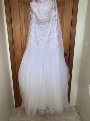 Wedding dress for Sale in Paxton, IL