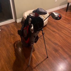 Wilson Gold Club Set And Carrying Bag for Sale in Los Angeles, CA