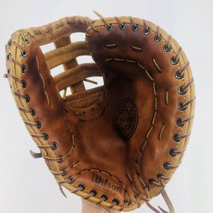 Wilson A2800 Baseball Softball First base Glove Mitt for Sale in Virginia Beach, VA