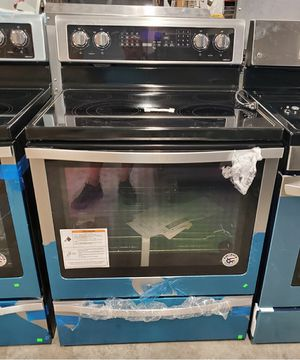 "NEW Whirlpool Smooth Surface Stainless Electric 30"" Range Stove Convection Oven wfe770h0fz for Sale in St. Petersburg, FL"