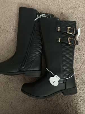 Girls boots. Size 1 for Sale in Middleburg Heights, OH