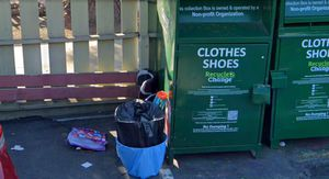 Free Drop offs (clothes, shoes, electronics, good furnitures, appliances ) for Sale in Hayward, CA