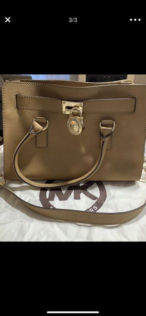 Michael Kors Bags for Sale in Burbank, IL