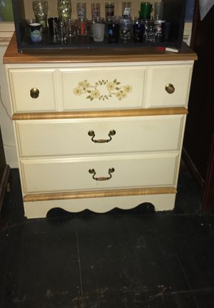 Dressers for Sale in Barberton, OH