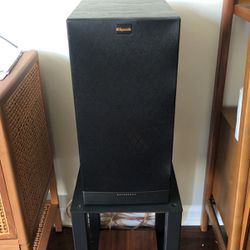 Klipsch RB-81 II Bookshelf speakers x 3 for Sale in San Francisco,  CA