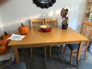 Kitchen table about 5•3 ft for Sale in Canby, OR