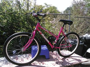 Magna 24 inch wheels girls bike for Sale in National City, CA