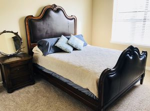 Queen Bedroom Set for Sale in Dallas, TX
