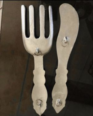 Set of large metal fork and knife wall decorations in euc for Sale in Fontana, CA