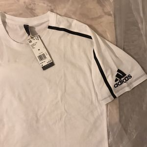 Adidas shirt size M , L , XL for Sale in Los Angeles, CA