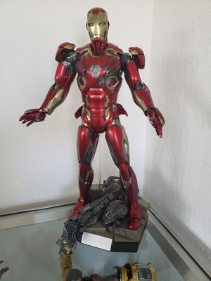 Hot toys Iron Man collectible for Sale in Lathrop, CA
