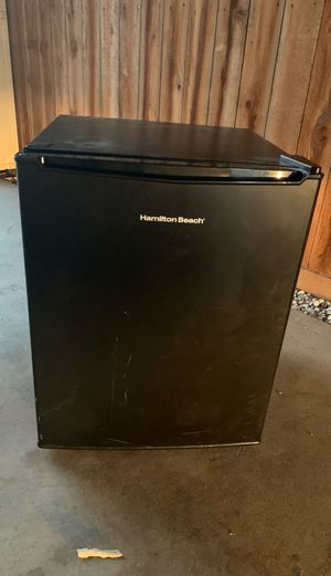 Mini refrigerator for Sale in Humble, TX