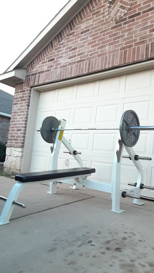 Commercial hoist bench press heavy duty for Sale in Saginaw, TX
