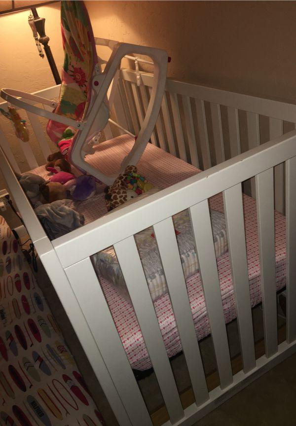 Modern Baby/toddler Crib