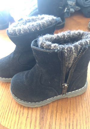 Size 5c girls boots for Sale in East Providence, RI