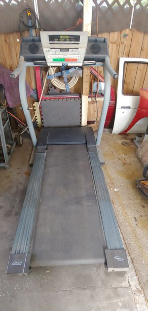 Tread mill needs work for Sale in Tampa, FL