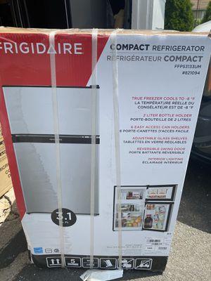 BRAND NEW Frigidaire 3.1-cu ft Freestanding Mini Fridge Freezer Compartment (Silver Mist) for Sale in South Hackensack, NJ