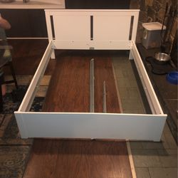 Queen Size Bed Frame for Sale in Mount Rainier,  MD