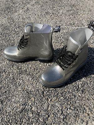 MK RAIN BOOTS SIZE 8 for Sale in Dallas, TX