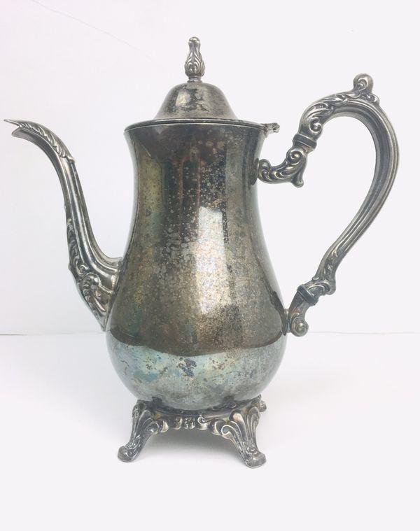 Vintage Oneida Silver Tea Set ( Pot, Creamer, Sugar )
