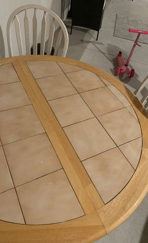 Round kitchen table with 4 chairs and leaf for Sale in Woodhaven, MI