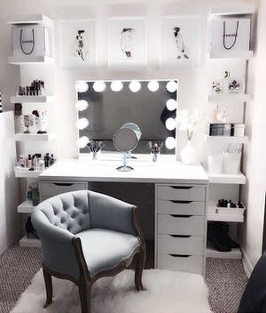 Brand New Impressions Vanity makeup lighted mirror for Sale in Lakewood, CO