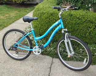 Woman's Bicycle Excellent Condition for Sale in Bellevue,  WA