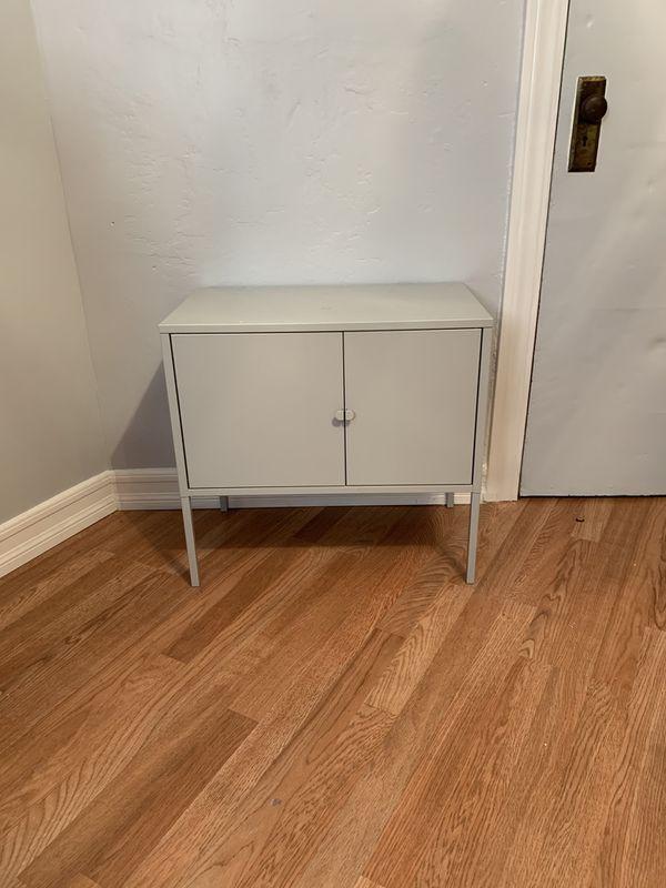 TV Stand/Small Shelf