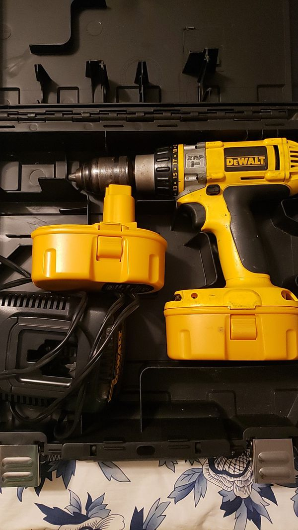 Dewalt xrp drill, two batteries and charger