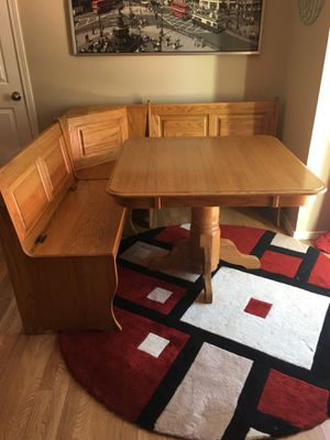 Nook kitchen table for sale for Sale in Gig Harbor, WA