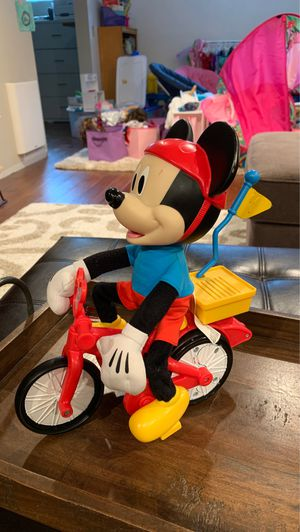 Fisher-Price Disney Mickey Mouse Clubhouse, Silly Wheelie Mickey for Sale in Snohomish, WA