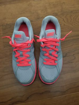 Nike relentless 2 womens shoes size 9 for Sale in Columbia, MD