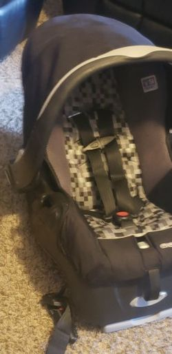 Evenflo Baby Car Seat for Sale in Red Oak,  TX