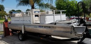 1985 Landau Pontoon boat for Sale in Fontana, CA