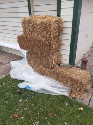 Straw bale for Sale in Stickney, IL