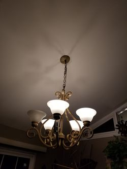 Chandalier large for Sale in Springfield,  VA
