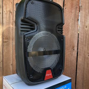 "8"" WOOFER/5500 WATTS/Bluetooth-Fm radio (INCLUDES Microphone & Remote KARAOKE) (3-6 HOURS BATTERY LIFE-PORTABLE) MEMORY SLOT-USB SLOT-AUX INPUT MIC E for Sale in Baldwin Park, CA"