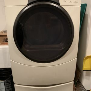 Kenmore Elite HE3 Dryer, White, With Storage Attachment for Sale in Upper Marlboro, MD