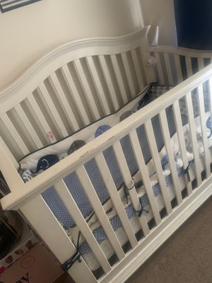 Baby crib for Sale in Lawrenceville, GA