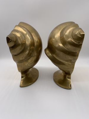 Vintage solid brass Shell Scalloped sea bookends. Set of 2 pieces for Sale in Des Plaines, IL