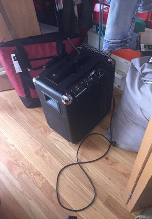 Speaker Bluetooth and wireless for Sale in Chicago, IL