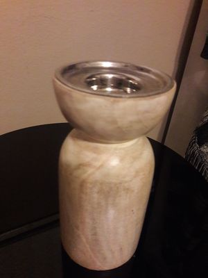 BEAUTIFUL COLD CAST CEREMIC FAUX WOOD MOTIF CANDLE HOLDER WITH METAL TOP/FITS 2 OR 3 INCH PILAR CANDLE for Sale in Anaheim, CA