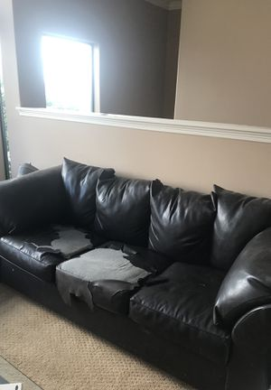 Free Couch for Sale in Houston, TX