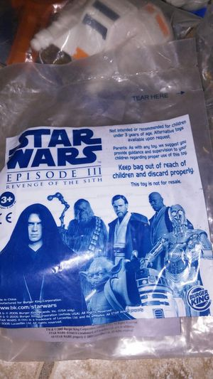 50 COLLECTIBLES ON STAR WARS TOYS FROM BURGER KING YEARS AGO !!! BRAND NEW ASKING$60.00 FOR ALL for Sale in Phoenix, AZ