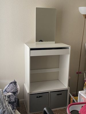 Vanity with bottom cube for Sale in Amarillo, TX