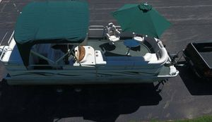 2006 Manitou Legacy Pontoon Boat__very clean for Sale in Minneapolis, MN